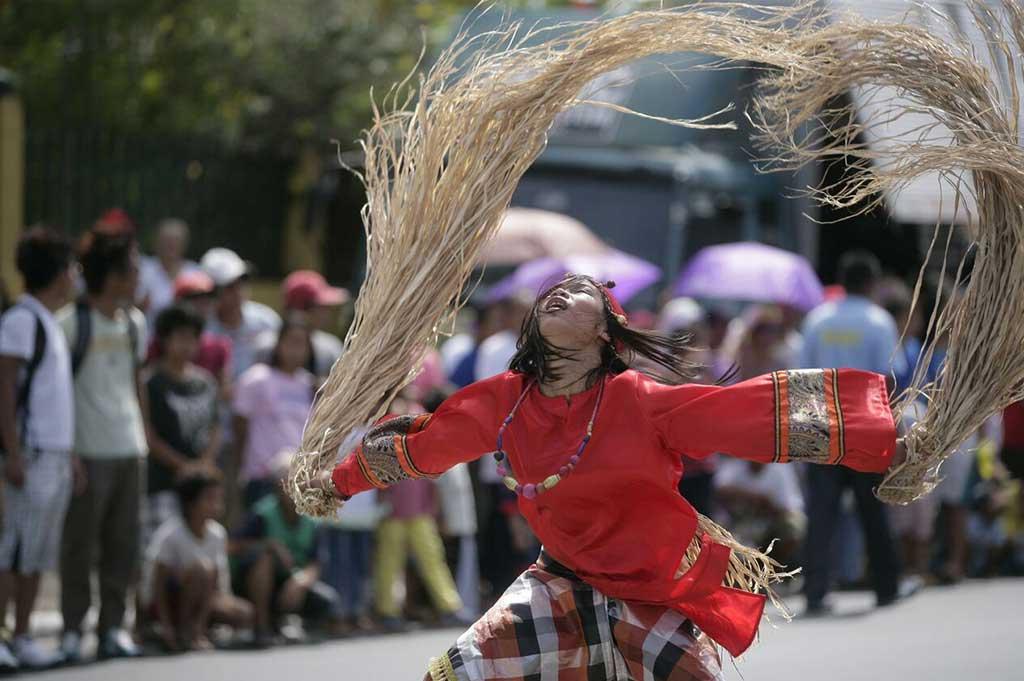 A dancer in Bago City's 2015 Babaylan Festival.
