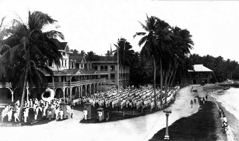 A picture of Silliman University dating from 1909 at the earliest.